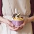 Vegware_collections_TN_soupcontainers_SC-T06_icecream_hands_choc_800x